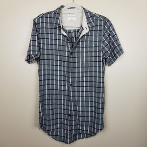 On the Byas black & white button down size M